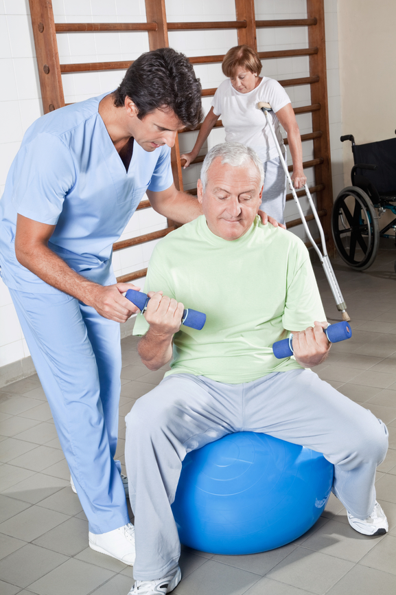 8 ways physical therapy can benefit seniors 39 health for Test fisioterapia
